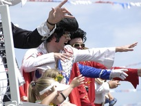 Group tours for Seniors to Parkes, Elvis Festival Tour Packages - Photo